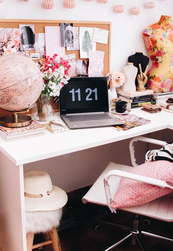 light home workspace